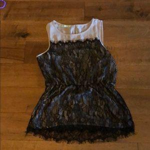 Lace sleeveless blouse